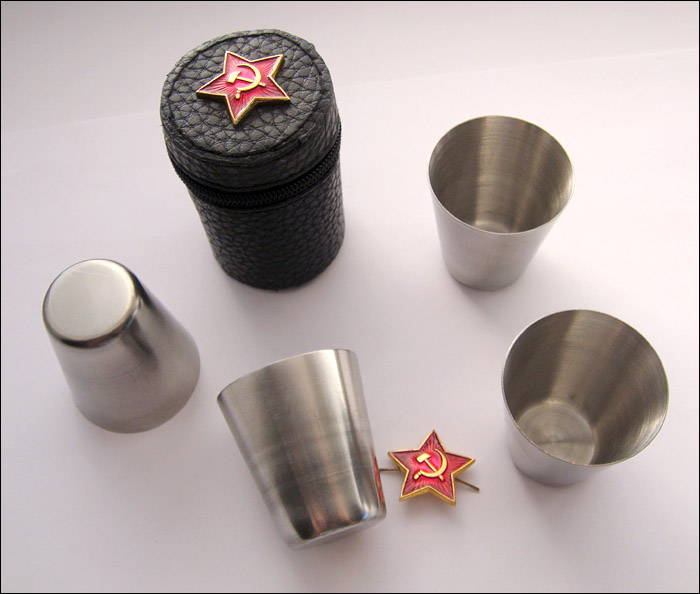 Set of 4 Stainless Steel Shots Vodka Shot Glasses Travel Pocket in Case 1 / 1.7 / 4.4 Oz